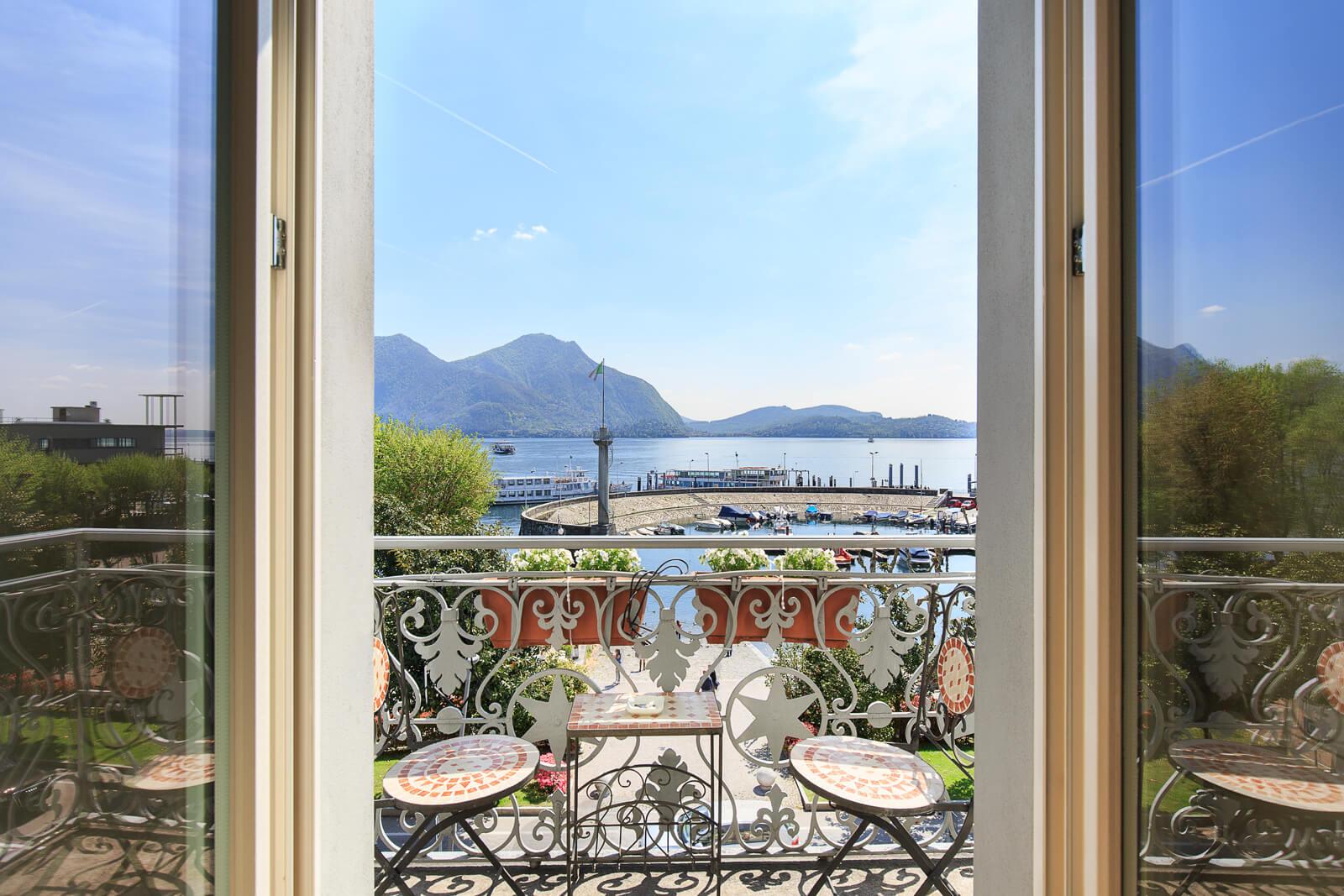 Deluxe-vista-lago-balcone-5