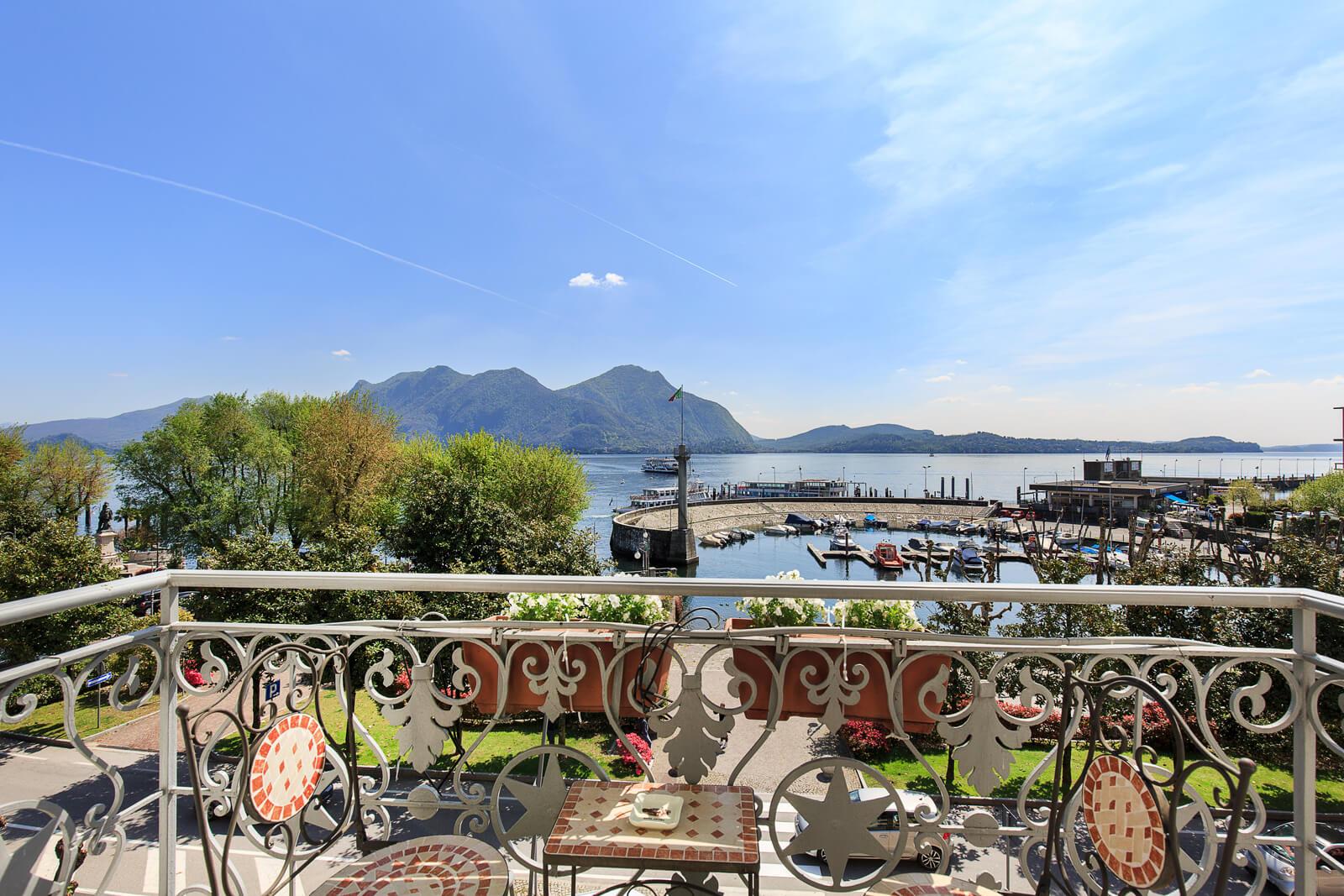Deluxe-vista-lago-balcone-7-2