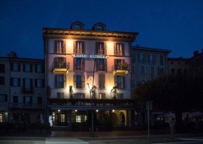 Hotel-Ancora-Verbania-esterno-notte1