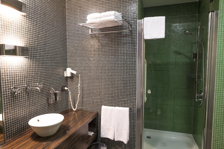 bagno-hotel-ancora-deluxe_3