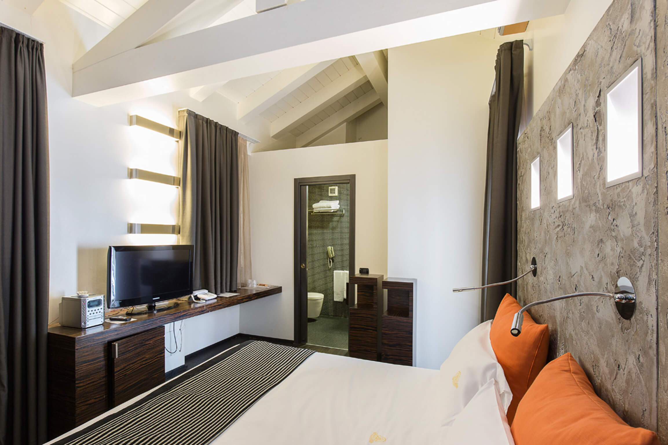Hotel-Ancora-DeLux-Retro-2020-1